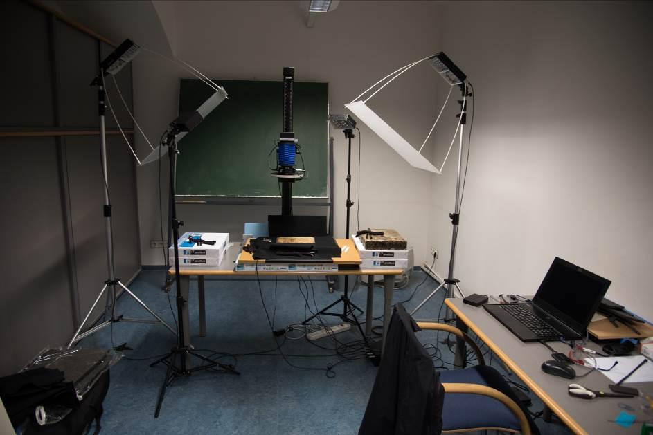 Aufbau für Multispektralaufnahmen in der ÖNB (Juli 2016).